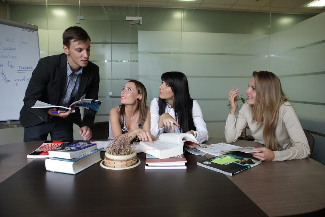 Bendrines anglu kalbos kursai Vilniuje | Mokslo Sodas